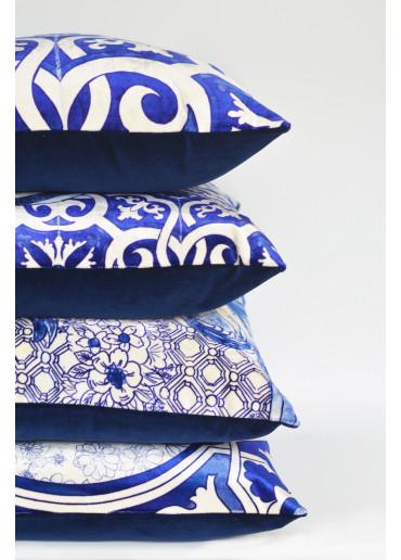 Bedrucktes Samt Kissen mit Fliesen Muster